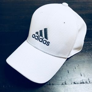 ♥️{ADIDAS} White & Grey Flex Fit Hat♥️